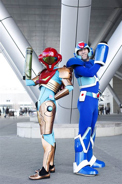 R and J Cosplay: Megaman Build!