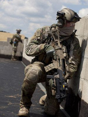 199 - Crye Bekleidung in Multicam & Custom IR-Patches