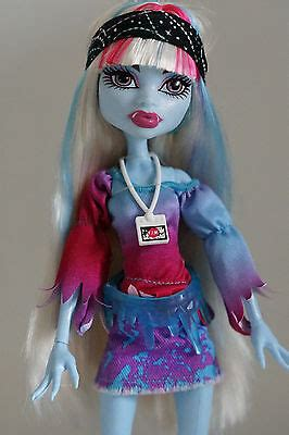 Neuer Monster High Music Festival Puppe Abbey Bominable