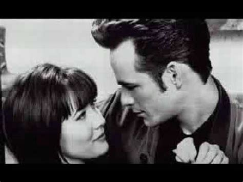 Beverly Hills 90210 Brenda and Dylan - YouTube