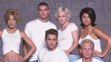 'Beverly Hills, 90210': What the critics said when it