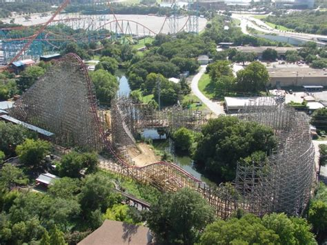 Six Flags investigates woman's fall to death - NY Daily News
